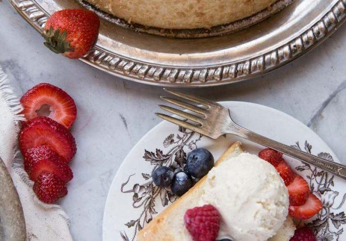 What Does Angel Food Cake Taste Like